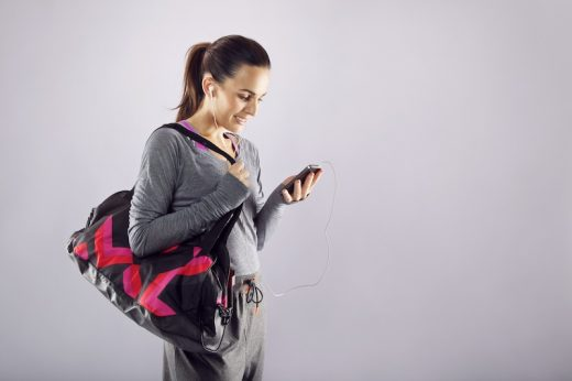 Hogyan csábítsd követőid az okostelefonok képernyői elől az edzőterembe?